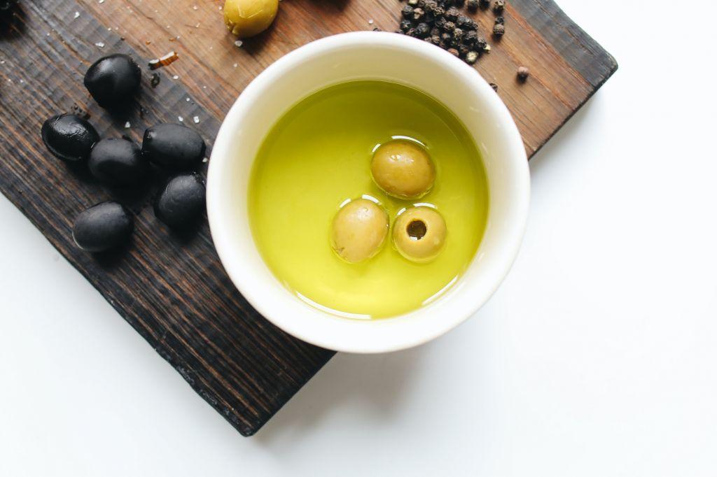 aceite-de-oliva-proteger-la-piel